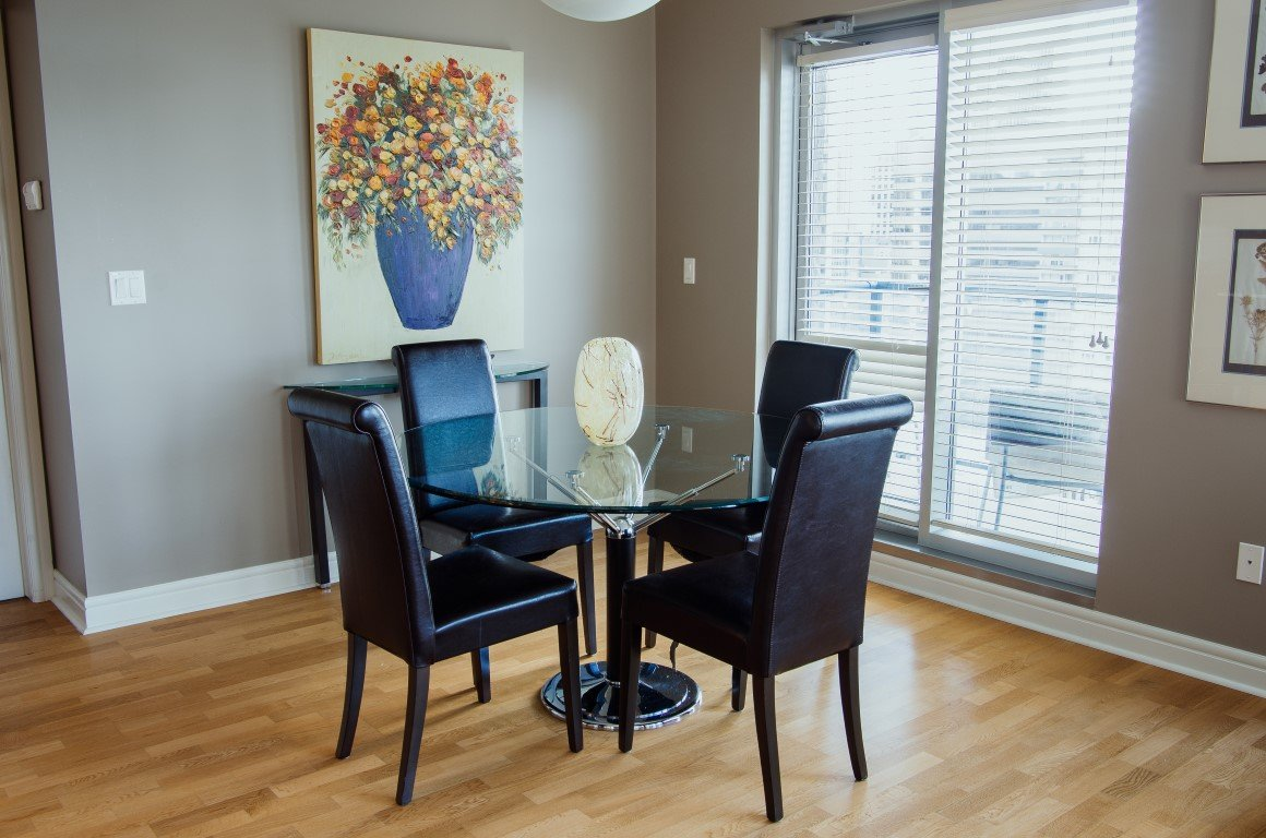 Bright 2 Bedroom Furnished Apartment For Rent In Downtown